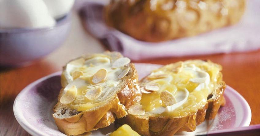 Paasbrood met citroenroom